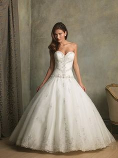 Wedding Dress @Elizabeth Lockhart Lockhart Ward i know you don't want a poof but just had to show ya!