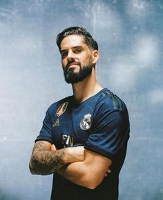 Real Madrid Football, Real Madrid Players, Cristiano Ronaldo Wallpapers, Mens Hairstyles With Beard, Isco Alarcon, Sports Celebrities, The Magicians, Legends, Spanish