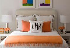 Oranges Schlafzimmer