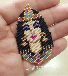 Beaded Jewelry Patterns, Beading Patterns, Beaded Earrings Native, Beaded Bracelets, Bead Loom Designs, Beaded Banners, Beaded Crafts, Bijoux Diy, Bead Jewellery