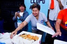 Familias de Barinitas prepararon un empanadazo para recibir a Henrique Capriles