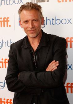 Callum Keith Rennie will play Ray Steele, Anastasia's stepfather, who raised Ana and is now divorced from her mother. Fifty Shades Cast, 50 Shades Trilogy, Shades Of Grey Movie, Fifty Shades Of Grey, Popsugar, It Movie Cast, It Cast, Callum Keith Rennie, Due South