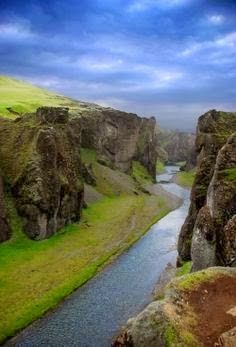 Some geological formations in Earth are simply spectacular. The way our planet adjusts its continents creating breath-taking landscapes all around the world is simply fantastic, such as the Fjaðrárgljúfur Canyon, in Iceland. Love this place! Places Around The World, Oh The Places You'll Go, Places To Travel, Places To Visit, Around The Worlds, Vacation Places, All Nature, Science And Nature, Iceland Photos