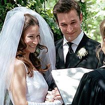 Love doctor  Noah Wyle exchanges vows with Tracy Warbin on May 6, 2000.