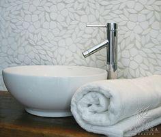 Jacqueline floral mosaic backsplash in Thassos tumbled marble