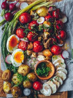 Caprese Salad, Paella, Salads, Cooking, Ethnic Recipes, Platter, Food, Drinks, Inspiration