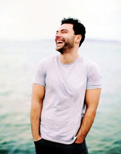 Aidan Turner - it's a crime that this man can wear an old t-shirt/jeans combo and look so damned stylish! You may well laugh, Mr Turner. Aidan Turner Poldark, Ross Poldark, Poldark Series, Bbc Poldark, Poldark 2015, Youtubers, Being Human Uk, Aiden Turner, Adrian Turner