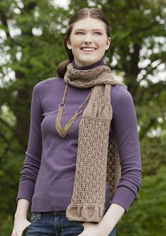 Ravelry: Renda Scarf pattern by Jean Clement