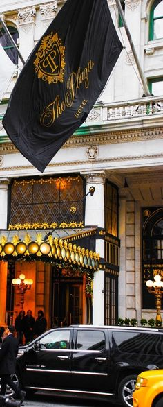 Plaza Hotel in New York City, NYC - near Central Park. Read on for 10 top things to do (and to see) in NYC!
