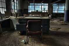 25 Evokative Images of Abandonment and Urban Decay    Read more: http://www.digital-photography-school.com/25-evokative-images-of-abandonment-and-urban-decay#ixzz1m8qkhSyw