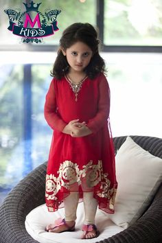 Maria B Kids Wear Dresses Designs Latest Collection consists of best kids summer winter season dresses with amazing styles in lawn, chiffon perfect for formal, party wear and casual wear! Maria B, Pakistani Dress Design, Pakistani Outfits, Pakistani Kids Dresses, Indian Dresses, Little Girl Dresses, Girls Dresses, Dresses 2014, Dress Girl