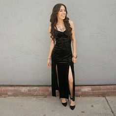 Black dress. Super soft dress. Has like a velvet feel and it stretches alot. The fabric is polyester Forever 21 Dresses Maxi