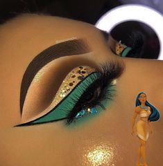 Quick and easy Halloween makeup? shows us just that with this awesome scarecrow makeup using only Super-Stay Pocahontas Makeup, Disney Eye Makeup, Disney Inspired Makeup, Disney Princess Makeup, Princess Jasmine Makeup, Cinderella Princess, Makeup Eye Looks, Beautiful Eye Makeup, Eye Makeup Art