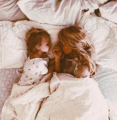 The Wiegands: sweet sisters. Mother Daughter Photos, Mother Daughter Photography, Mom Daughter, Mother And Child, Mom And Baby, Mommy And Me, Mother Art, Future Mom, Toddler Photography