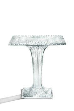 Table by Tokujin Yoshioka for Kartell sparkles like crystal glass Milan Furniture, Table Furniture, Furniture Design, Furniture Ideas, Plastic Tables, Cup Design, Twinkle Twinkle, Industrial Design, Crystals