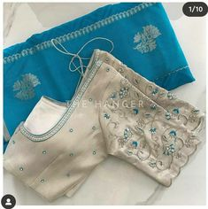 Blouse Back Neck Designs, Hand Work Blouse Design, Simple Blouse Designs, Stylish Blouse Design, Pattu Saree Blouse Designs, Blouse Designs Silk, Sari Blouse, Traditional Blouse Designs, Maggam Work Designs