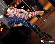 6th Street Onesie Pub Crawl Austin Texas | http://www.nightlifeatx.com nightlife ATX austin events nightclubs bars 6thStreet West 6th Sixth Street acl sxsw bartender bar photography nightlife nightlifeatx austintx austin tx texas