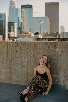 Andera Wagner Photography captures girl senior session in downtown Minneapolis with skyline in background on parking lot rooftop Cute Poses For Pictures, Girl Senior Pictures, Picture Poses, Senior Year, Senior Photos, Downtown Senior Pictures, Senior Portraits, Downtown Photography, Senior Photography Poses
