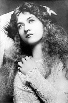 Maude Fealy silent film star