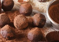 Find the recipe for healthy rum balls, a more nutritious version of this festive favourite, perfect for Christmas celebrations. Rum Truffles, Pregnant Diet, Rum Balls, Healthy Mummy, Almond Recipes, Gluten Free Recipes, Vegan Recipes, Bliss Balls, Low Calorie Recipes