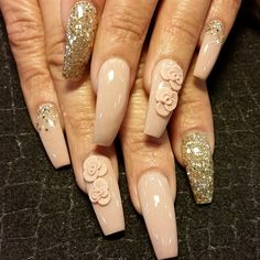 nude 3d flowers by Oli123 from Nail Art Gallery