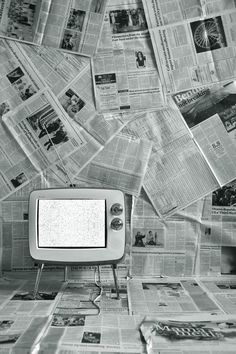 Newspaper wall would be tighttt. Newspaper Wallpaper, Newspaper Background, Studio Background Images, Black Background Images, Editing Background, Picsart Background, Background For Photography, New Backgrounds, Aesthetic Backgrounds