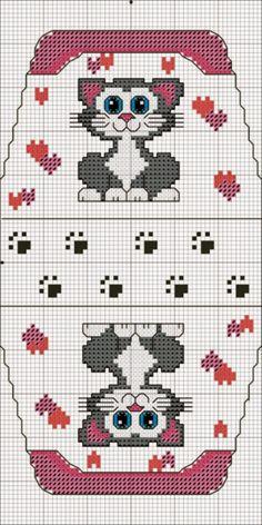 No color chart Cross Stitch Boards, Cross Stitch Heart, Beaded Cross Stitch, Crochet Cross, Cross Stitch Animals, Cross Stitch Embroidery, Cat Cross Stitches, Cross Stitching, Cross Stitch Patterns