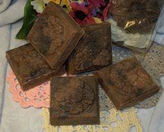 Spicy Espresso - natural handmade cold process soap.  Contains arabica coffee infusion, natural vanilla pod, ground cinnamon and ginger.