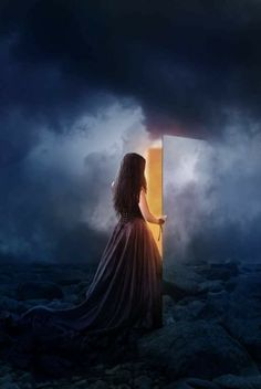 من أراد أن يخرج من حياتك، رأى من ثقب الباب مخرجا .. ومن أراد الدخول في حياتك، صنع من الجدران مدخلاً    هيما حبيبي