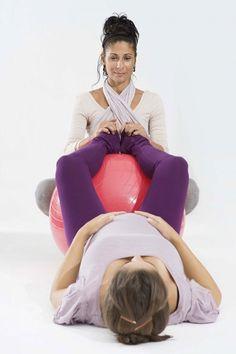 En el tercer trimestre del embarazo son muy recomendables los ejercicios con el balón de pilates , yo no tenía pensado usarlo.... pero un ...