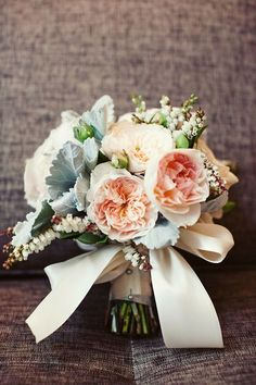 heyprettywedding:  Perfect bouquet.