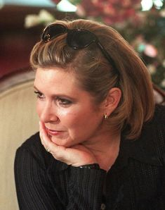 the rise of skywalker Debbie Reynolds Carrie Fisher, Carrie Frances Fisher, Classic Hollywood, Old Hollywood, Hollywood Icons, The Unsinkable Molly Brown, Star Wars Cast, Princesa Leia, Han And Leia
