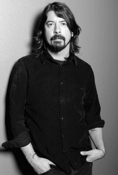 "Dave Grohl - ""I can understand how some people might resent me for having the audacity to continue playing music, but it'd take a lot more than that to stop me from doing it. I started Foo Fighters because I didn't want to retreat"" Foo Fighters Dave Grohl, Foo Fighters Nirvana, Taylor Hawkins, Music Express, Rockn Roll, My Favorite Music, To My Future Husband, Music Bands, Music Is Life"