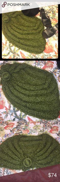 VTG HANDMADE SPARKLY EMERALD GREEN SHAWL VTG HANDMADE SPARKLY EMERALD GREEN SHAWL   Plz ask any ?? See pix it's FAB!!  NA anthro. THZ is a VTG handmade shawl Anthropologie Jackets & Coats Capes