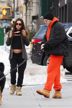 Emily Ratajkowski Bares Her Belly in NYC Pregnant Celebrities, Stepping Out, Emily Ratajkowski, Baby Bumps, Canada Goose Jackets, Bomber Jacket, Winter Jackets, New York, Nyc
