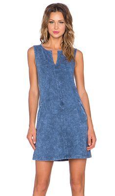 Comprar three dots VESTIDO em Blue Jean at REVOLVE. Devolução e envio de 2 a 3 dias grátis, correspondência de preço de 30 dias garantida