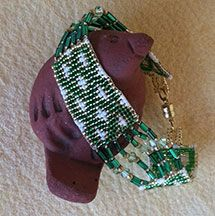 Celtic Knot Split Loom Style Bracelet Pattern at Sova-Enterprises.com Lots of free beading patterns and tutorials are available!