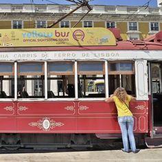Lisbonne, Portugal By Flora Carreno Portugal, Flora, Tours, Pictures, Lisbon, Photos, Plants, Grimm