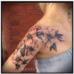 Resultado de imagem para floral shoulder tattoo