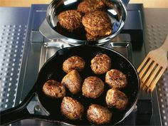 Lihapullat Everyday Food, Lunches And Dinners, Baking, Ethnic Recipes, Balls, Koti, Main Courses, Bread Making, Entrees