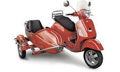 Centoallora Vespa GTS/GTV side http://www.insella.it/listino_moto/centoallora-vespa_gts/gtv_sidecar