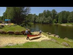 Canoeing down the Dordogne river  - day trip from Sarlat