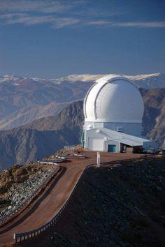 .Observatorio Tololo, El Observatorio Interamericano del Cerro Tololo, CTIO por sus siglas en inglés, se ubica en el valle de Elqui, aproximadamente a 80 km de la ciudad de La Serena, en la Región de Coquimbo, Chile, a una altura de 2200 msnm