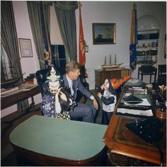 vintage everyday: Halloween Visitors to the Oval Office, White House, 1963