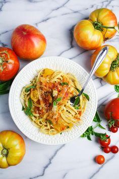 Heirloom Tomato and Sweet Onion Spaghetti {Katie at the Kitchen Door}