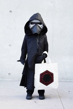 Darth Vader for the next generation. Find out how to make this adorable First Order tote bag on Disney Family. #KyloRen #DIY
