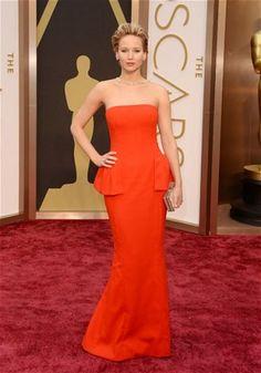 Love this dress #jenniferlawrence #reddress #fashion #oscars2014