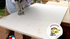 ¿Cómo hacer un mueble para el lavamanos?, via YouTube.