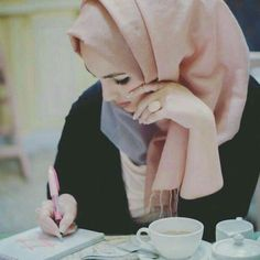 Image about tea in Hijab by Naz on We Heart It Muslim Women Fashion, Islamic Fashion, Mode Abaya, Mode Hijab, Hijab Niqab, Hijabi Girl, Girl Hijab, Stylish Girls Photos, Stylish Girl Pic