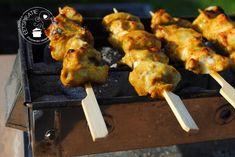 Thaise saté | Eetspiratie Asian Recipes, Ethnic Recipes, Tandoori Chicken, Meat, Barbecue, Food, Summer, Turmeric, Summer Time